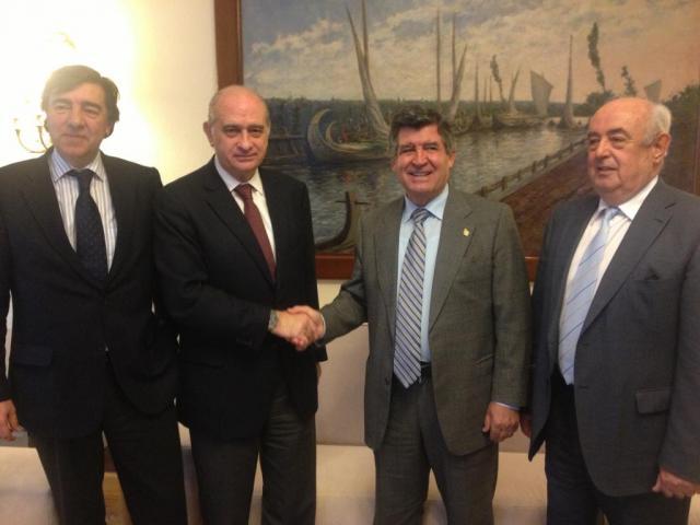 Ri ones y bruno plantean al ministro del interior medidas for Ministro del interior espanol