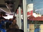Viajeros esperando en Villatoro por culpa de MONBUS