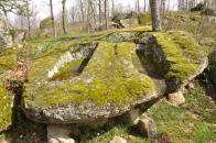 4.- Roca donde se encuentran las dos tumbas de Valcerezos.
