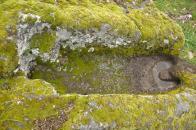 6.- Valcerezos. Detalle de una de las tumbas con el lugar para la colocación de los pies.