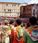 La plaza y la gente