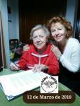 Margarita y Carmen firmando el nuevo contrato