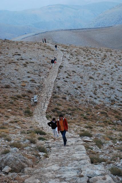 La árdua subida al monte Nemrut