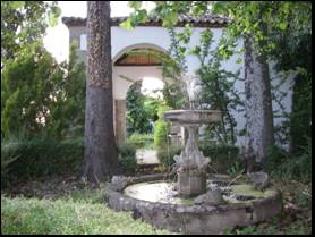 Foto 1. Fuente en la terraza inferior.