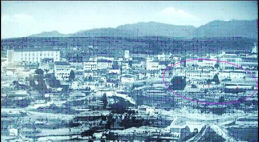 Foto 9. Postal de una vista parcial de la fachada meridional de Béjar. Lado Oeste.