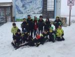 Grupo de esquiadores Club de esqui La Covatilla